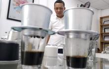 """Đầu năm gặp gỡ người """"chuẩn hóa"""" cà phê pha phin"""