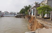 Vĩnh Long: Sạt lở trưa mùng 3 Tết, 6 căn nhà sụp xuống sông