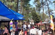 CLIP: Hàng ngàn người đi lễ chùa Trăm Gian, nhiều người không đeo khẩu trang