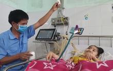 Chuyện cảm động về người cha 8 năm đón Tết cùng con ở bệnh viện