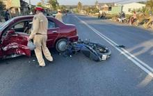 Tông ôtô chuyển hướng sang đường, thanh niên tử vong mùng 6 Tết
