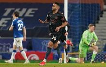 Hai siêu phẩm hạ Everton 3-1, Man City xây chắc ngôi đầu