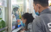 Hành khách ngỡ ngàng khi đổi, trả vé tại Bến xe Miền Đông