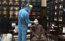 Lấy hơn 30 mẫu xét nghiệm Covid-19 tại một ngôi chùa ở TP HCM