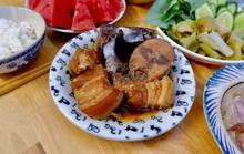 """Bài dự thi """"Nhà mình ngày Tết"""": Thèm món cá ngừ kho thịt của má"""