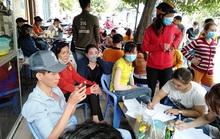 Công ty TNHH Asia Garment tạm ứng cho công nhân 1 triệu đồng/người