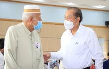Phó Thủ tướng Thường trực Trương Hòa Bình tặng quà Tết cho đồng bào Chăm ở TP HCM