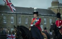 Quả Cầu Vàng 2021: Phim về hoàng gia Anh đại thắng