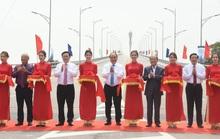 Thủ tướng Nguyễn Xuân Phúc dự lễ thông xe cầu Cửa Hội nối 2 tỉnh Nghệ An - Hà Tĩnh