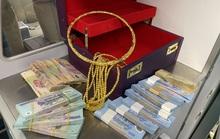 Hành khách từ TP HCM bỏ quên 315 triệu đồng và trang sức trên ngăn đựng hành lý máy bay