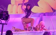Nữ rapper Cardi B khẩu chiến kịch liệt vì bị chê trình diễn phản cảm
