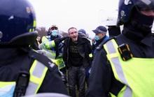 Covid-19: Hoảng với cảnh biểu tình phản đối phong tỏa ở Đức, Anh