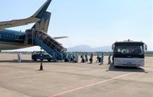 Hai chuyến bay đưa người Việt từ Myanmar về nước hạ cánh ở Đà Nẵng