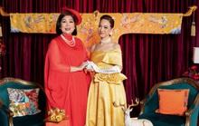 NSND Lê Khanh và NSND Hồng Vân rực rỡ trên thảm đỏ