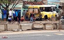 Tai nạn liên hoàn, xe khách lao thẳng vào nhà dân ở Quảng Bình