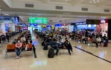 Về Hà Nội phải cách ly tập trung 7 ngày, các chuyến bay từ TP HCM vẫn kín chỗ