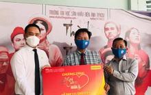 Mai Vàng nhân ái trao tiền hỗ trợ 133 sinh viên khó khăn do dịch Covid -19