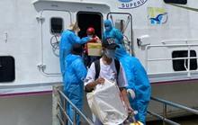 Kiên Giang: Chuyển tàu đầu tiên đưa người dân mắc kẹt ở đất liền về đảo