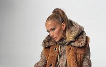 Jennifer Lopez khoe vẻ đẹp cá tính