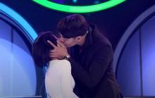 Game show hẹn hò: Ôm hôn ngấu nghiến rồi... chia tay!