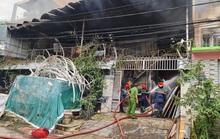 TP HCM: Một kho hàng bị nuốt chửng  lúc rạng sáng, cả khu dân cư náo loạn