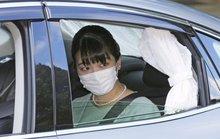 Bất chấp sóng gió, công chúa Mako của Nhật Bản đã kết hôn