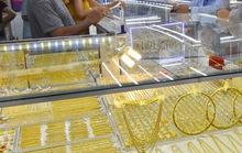 Giá vàng hôm nay 28-10: Bật tăng nhờ USD giảm giá
