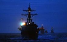 Hàng loạt máy bay không người lái bí ẩn lượn quanh tàu chiến Mỹ