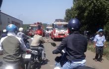 Xe tải lật nghiêng, ùn tắc kéo dài ở đèo Mẹ Bồng Con