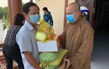 Đại đức Thích Trí Huệ trao gần 4.000 suất quà cho bà con nghèo