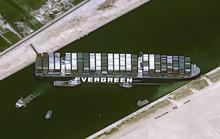 Mỹ muốn giúp giải phóng siêu tàu hàng mắc kẹt ở kênh đào Suez