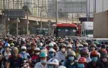 Xe cộ ken đặc 700m trên Xa lộ Hà Nội ngày đầu thu phí