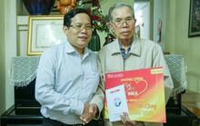 Mai Vàng nhân ái thăm nhà văn Ma Văn Kháng, Nguyễn Khắc Trường và thắp hương tưởng nhớ nhà văn Nguyễn Huy Thiệp