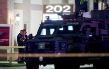 Xả súng tại quận Cam: Mẹ bất lực nhìn con nhỏ chết trên tay
