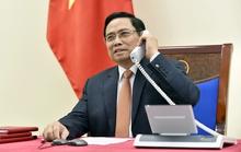 Thủ tướng Phạm Minh Chính điện đàm với Thủ tướng Singapore Lý Hiển Long