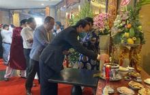 Bí thư Nguyễn Văn Nên dâng hương tại Đền Tưởng niệm các Vua Hùng