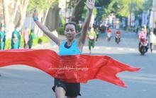 Sôi nổi giải Việt dã chào mừng Ngày hội Thống nhất