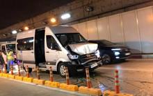 Ôtô tông liên hoàn trong hầm vượt sông Sài Gòn, giao thông ùn ứ