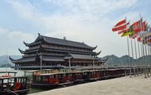 Tam Chúc - ngôi chùa lớn nhất thế giới vắng vẻ đến lạ ngày lễ 30-4