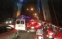 Ngăn hàng trăm quái xế đua xe ở cầu Cần Thơ rạng sáng 30-4