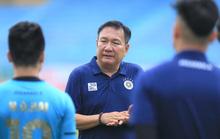 """HLV Hoàng Văn Phúc nói gì trong ngày đầu ngồi """"ghế nóng"""" dẫn dắt Hà Nội FC?"""