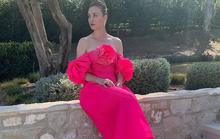 """""""Thiên nga"""" Nicole Kidman, Kaley Cuoco lộng lẫy tạo dáng trước... thảm đỏ ảo"""