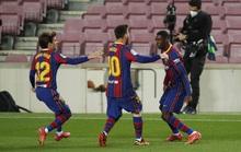 Messi lập kỷ lục, trọng tài bị nghi tiếp tay Barcelona hạ Valladolid