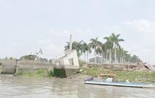 CLIP: Làm rõ vụ dân tố doanh nghiệp khai thác cát trái phép gây sạt lở bờ sông