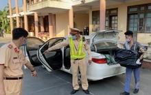 CLIP: Chở cả xe hàng lậu, tài xế nói không biết gì