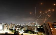 Hơn 1.000 quả rốc-két bắn về phía Israel