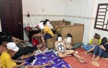 Bất chấp dịch Covid-19, hàng chục nam nữ tổ chức bay lắc trong nhà nghỉ