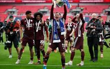 Leicester chờ 137 năm mới vô địch