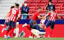 Atletico Madrid ngược dòng siêu đỉnh, chạm vào giấc mơ vô địch La Liga