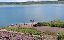 Chìm tàu khai thác cát, 1 người mất tích trên hồ thủy điện Đại Ninh